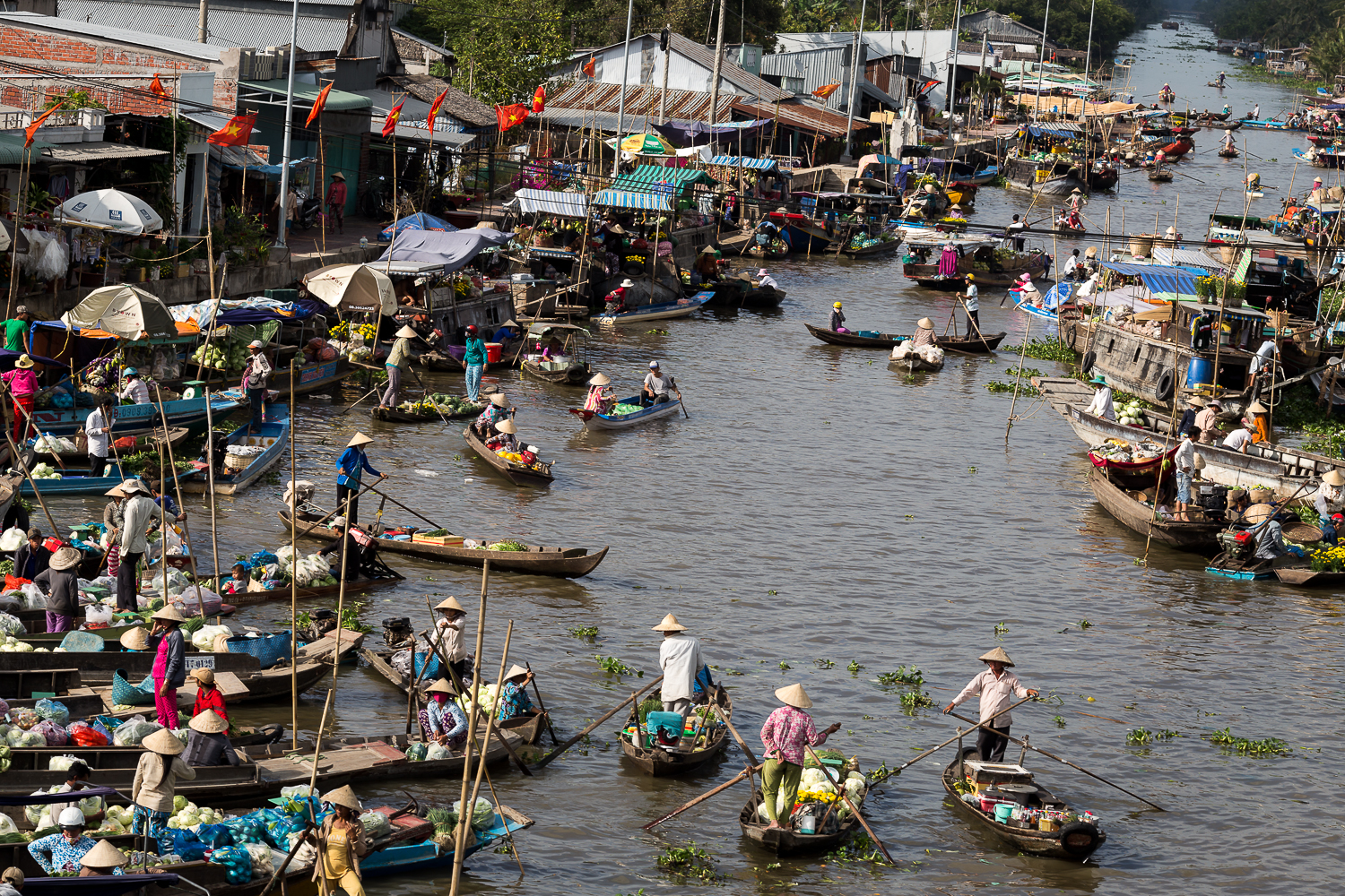 Nga Nam floating market