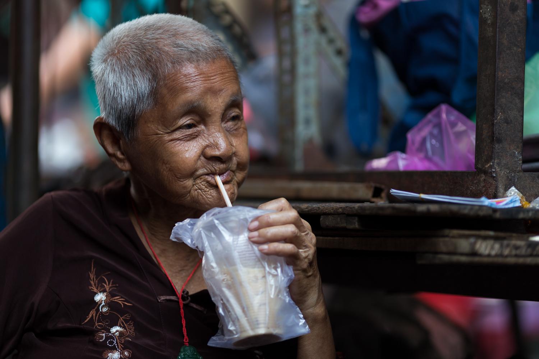 Cà phê sưa đá (Vietnamese iced coffee)